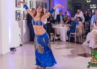 Dansatoare orientala nunti