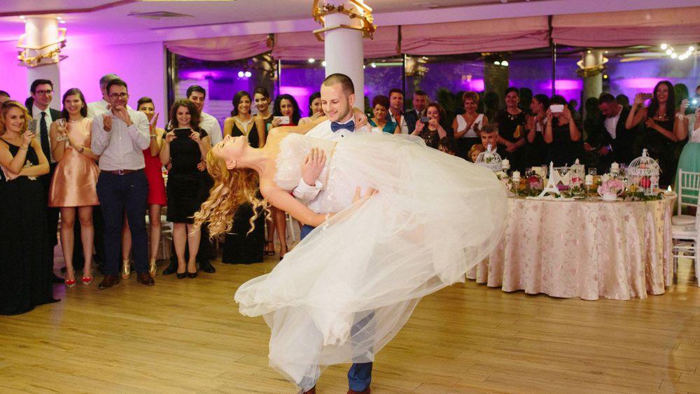 Cu cat timp inainte de nunta incepem cursurile pentru dansul mirilor?